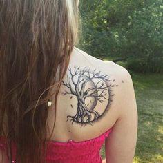 ▷ 1001 + Ideas for Tree of Life Tattoo to Inspire and Borrow - Mini Tattoos, Body Art Tattoos, Sleeve Tattoos, Cool Tattoos, Tree Of Life Tattoos, Winter Tattoo, Pagan Tattoo, Wiccan Tattoos, Tattoo For Son