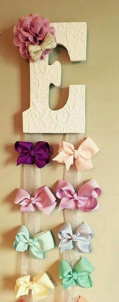 Customized Hairbow Holder Custom Personalized Hair Bow Hanger by McKinleysLoves on Etsy Girl Nursery, Girl Room, Hair Bow Hanger, Diy And Crafts, Crafts For Kids, Diy Bebe, Diy Hair Bows, Ribbon Hair Bows, Baby Bows