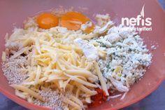 Tavada Patates Böreği 3-4 orta boy patates Taze soğan Maydanoz 2 yumurta 2 kaşık un Beyaz peynir Rendelenmiş kaşar peyniri Tuz Kırmızı toz biber Yarım çay bardağı sıvı yağ