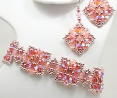 Deb Roberti's Alexandra Bracelet and Earrrings done in Sprint 2015 Fashion color Strawberry Ice.