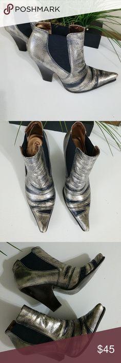 Carlos Santana Ankles silver shoes Carlos Santana silver ankles size 10 Carlos Santana Shoes Ankle Boots & Booties