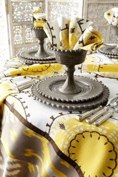 Horchow table grey and yellow Table Rose, Yellow Cottage, Table Manners, Entertainment Table, Beautiful Table Settings, Baby Shower, Decoration Table, Grey Yellow, My Favorite Color