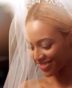 Queen Bee ♛ Beyoncé