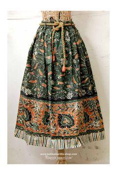 FRESHLY MADE Batik Amarillis's Traveller skirt in gorgeous Batik gendongan sidoarjo , Get it Fast at Batik Amarillis webstore www.batikamarillis-shop.com , before it's gone for good ! Batik Fashion, Hijab Fashion, Dress Fashion, Amarillis, Embroidery On Clothes, Vintage Dress Patterns, Blush Dresses, Trendy Dresses, Spring Outfits