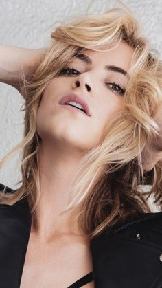Emily Bishop, Emily Wickersham Ncis, Celebrity Photos, Celebrity Style, Blake Anderson, I Miss Her, Chloe Grace Moretz, American Actress, Actors & Actresses