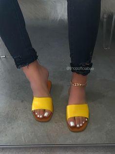 Please read shoe size description before placing your Cute Shoes Flats, Fancy Shoes, Cute Sandals, Kid Shoes, Me Too Shoes, Spice Girls Shoes, Bling Sandals, Open Toe Flats, Fresh Shoes