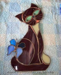 Looks like my Cupcake! Stained Glass Birds, Stained Glass Suncatchers, Stained Glass Designs, Stained Glass Projects, Stained Glass Patterns, Fused Glass, Leaded Glass, Mosaic Glass, Animal Original