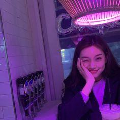 she's so pretty i cry Kpop Girl Groups, Korean Girl Groups, Kpop Girls, Aesthetic Girl, Kpop Aesthetic, Purple Aesthetic, Korean Beauty, Asian Beauty, Cool Girl
