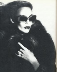 Jerry Hall photographed by Richard Dormer. Scanned from Model Girl. Photobucket