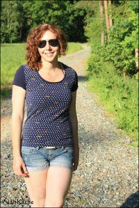 Shirt Michi nach Schnitt von Schnittgeflüster Jersey mit Nüsschen von Kathi Kunterbunt