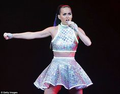 Super Bowl Katy Perry confirmed for halftime show with possibility of 'edible glitter' - News - Music - The Independent Katy Perry Live, Keti Perri, Super Bowl 2015, Lean Arms, Prismatic World Tour, Katy Perry Photos, Halftime Show, Old Singers, American Music Awards