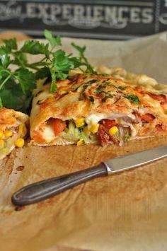 Calzone z warzywami - ciasto pizza Vegetarian Recipes, Cooking Recipes, Healthy Recipes, Good Food, Yummy Food, Tasty Dishes, My Favorite Food, Food Photo, Italian Recipes