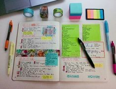 organization, study, and colors afbeelding