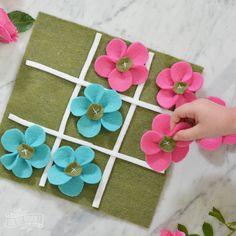 DIY Felt Flower Tic-Tac-Toe Game Busy Bag