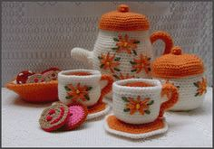 Pattern for crocheting a full Tea Set amigurumi.