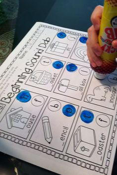 Almost 100 pages devoted to literacy. and bingo dabbers! Dab the beginning sound ending sound vowel sounds syllables rhyming words CVC words. Kindergarten Literacy, Early Literacy, Kindergarten Smorgasboard, Alphabet Activities, Literacy Activities, Literacy Centers, Early Learning, Fun Learning, Bingo Dabber
