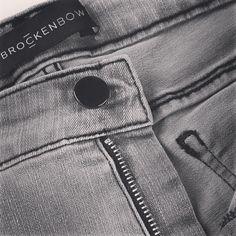 Monday Details. www.brockenbow.com #brockenbow #jeans #denim #brand #details #outfit #grey