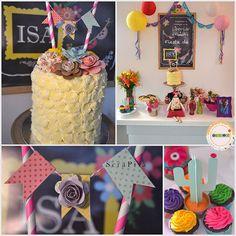 Festa com tema Frida Kahlo, feito pela @scrapisa com nosso bolo e cupcakes personalizados.