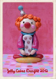 clown by Jelly Cakes, via Flickr Fondant Toppers, Fondant Cupcakes, Cupcake Cakes, Cake Lettering, Jelly Cake, Clay Projects, Clowns, Cartoon Characters, Biscuit