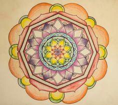 Mandala pintada con lápices de colores