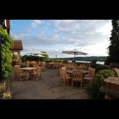 Traditional pub restaurant serving fresh food, cask ales and wine. The Old Orchard, Harefield Uk Pub, British Pub, Old Orchard, Outdoor Furniture Sets, Outdoor Decor, Places To Eat, Eat Cake, Ale, Old Things