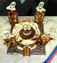 Schloß Gespenst 👻 Torte Kuchen Kindergeburtstag  Geburtstagstorte Vegan, Birthday Cake, Desserts, Fondant, Food, Birthday Cake Toppers, Dessert Ideas, Pies, Bakken