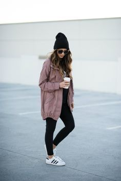15 Ways To Stay Casual or Cool Ideas to Improve Your Style streetstyle streetwear black leggings adidas runners black beanie brunette hair casual outfit fall athleisure Athleisure Outfits, Sporty Outfits, Casual Fall Outfits, Sporty Style, Fall Winter Outfits, Cool Outfits, Fashion Outfits, Womens Fashion, Casual Winter