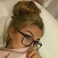 Glasses and blonde hair updo - ChicLadies. Vintage Glasses Frames, Womens Glasses Frames, Specs Frames Women, Cute Glasses Frames, Cheap Eyeglasses, Online Eyeglasses, Eyeglasses For Women, Natural Hair Gel, Lunette Style