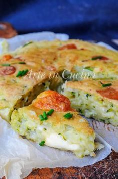 Focaccia soft and fast with zucchini without leavening vickyart art in the kitchen Raw Food Recipes, Italian Recipes, Bread Recipes, Cooking Recipes, Focaccia Pizza, Brunch, Good Food, Yummy Food, Edible Food
