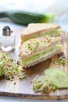 Klasszikus uborkás szendvics - Kifőztük Sandwiches, Food And Drink, Diet, Paninis, Banting, Diets, Per Diem, Food