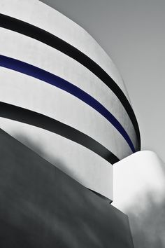 'Thin Blue Line' (2012) -- the Solomon R. Guggenheim Museum, Upper East Side, NYC  #photography #canon #architecture #mo...