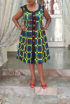 Mere Just meet like this dress. Buttons would be in black so it can have many more looks in different settings. African Dresses For Women, African Print Dresses, African Print Fashion, Africa Fashion, African Attire, African Fashion Dresses, African Wear, African Women, Dress Plus Size