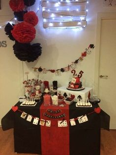 Las vegas birthday party ideas photo 5 of 11 catch my party game night Casino Party Decorations, Casino Theme Parties, Party Centerpieces, Vegas Birthday, Carnival Birthday Parties, Birthday Games, 21st Birthday, Game Night Parties, Casino Night Party
