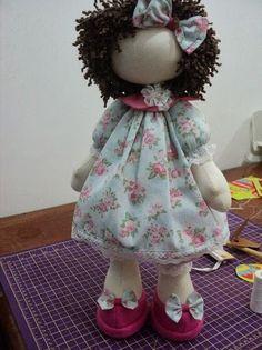 bambola di stoffa con cartamodello e tutorial