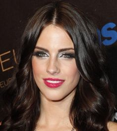 Jessica Lowndes - perfect example of clear winter makeup palette.