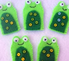 Puppet on pinterest felt finger puppets finger puppets for Frog finger puppet template