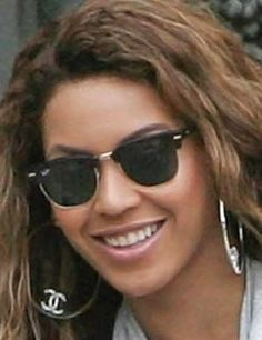 6e6af5291c1e9 Beyonce in Wayfarers Discount Ray Ban Sunglasses