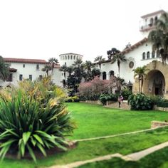 The Santa Barbara courthouse has been called the most beautiful government building in America.....we must agree!