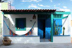 A beleza e a simplicidade da região inspiraram os arquitetos no projeto que evidencia obras de arte dos nativos e dialoga com as características da cidade