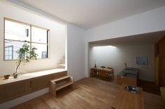 * Residential Architecture: House in Futako-Shinchi by Tato Architects Residential Architecture, Interior Architecture, Interior And Exterior, Japanese Architecture, Narrow House, Wooden Stairs, Minimal Home, Architect House, Japanese House
