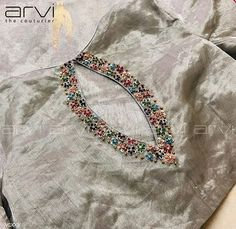 Embroidery for classy lovers Kurta Neck Design, Saree Blouse Neck Designs, Neckline Designs, Dress Neck Designs, Bridal Blouse Designs, Hand Embroidery Dress, Kurti Embroidery Design, Embroidery Neck Designs, Embroidery Bags