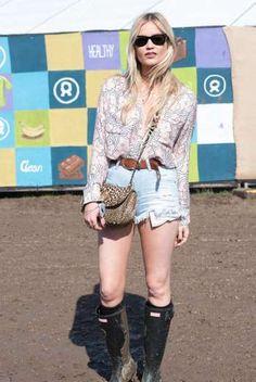 Laura Whitmore, bohemia y chic. La presentadora de televisión irlandesa se anima a aprovechar el sol... - zeleb.mx