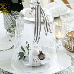 Cloches as Table Decorations | Innspiradas: noviembre 2011