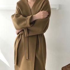 Tesettür Mont Modelleri 2020 - Tesettür Mont Modelleri 2020 - Tesettür Modelleri ve Modası 2019 ve 2020 Modest Fashion, Fashion Outfits, Minimal Outfit, Professional Attire, Mode Hijab, Types Of Fashion Styles, Minimalist Fashion, Capsule Wardrobe, Korean Fashion