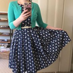 Just swanning around. Dress in and belt . Sewing Diy, Dress Sewing, Sew Over It, Diy Fashion, Sewing Patterns, Bee, Australia, Fancy, Quilts