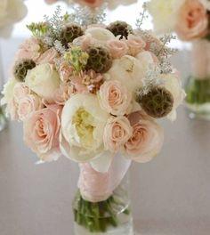 peach wedding flower bouquet, peach bridal bouquet, peach wedding flowers, add pic source on comment and we will update it. www.myfloweraffair.com