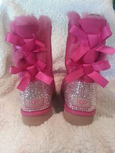 Hey, I found this really awesome Etsy listing at https://www.etsy.com/listing/173426515/womens-swarovski-crystal-bailey-bow-ugg