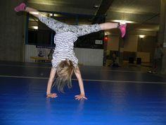 Co daje nam akrobatyka? Judo, Fett, Gym Equipment, Exercise, Sports, Modern, Lower Belly, Ejercicio, Hs Sports