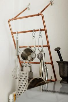 DIY: Copper Pipes Used as a Pot Rack in the Kitchen