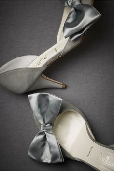 grey shoes with cute bow #http://www.shoeniverse.info/